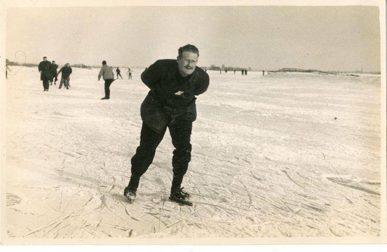 Ab Spaargaren op de schaats begin jaren zestig.  Beeld X