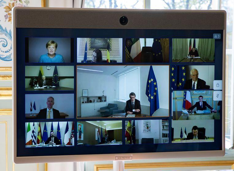 Op de EU-top per videolink kon pas na zware interventies van beide kanten een compromis bereikt worden. Beeld AP