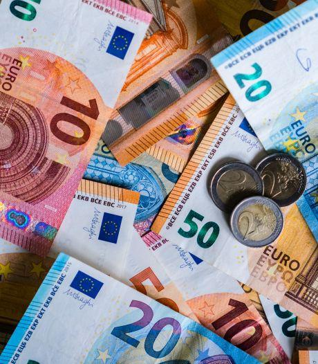 Gemeenten zijn jaarlijks (tien)duizenden euro's kwijt aan schriftelijke vragen van politici