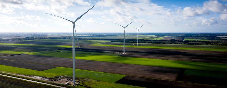 Dronefoto van windpark De Drentse Monden en Oostermoer in het noordelijk deel van de Drentse Veenkoloniën. Beeld Hollandse Hoogte /  ANP
