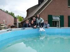 Het wonder van Lierderholthuis: hoe dit zwembad het huis van Andy en Daphne uit de brand hielp