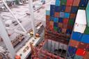 De containers van Giesbers zijn niet van staal, maar van licht kunststof.