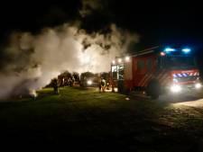 Twee hoogwerkers uitgebrand in Escharen
