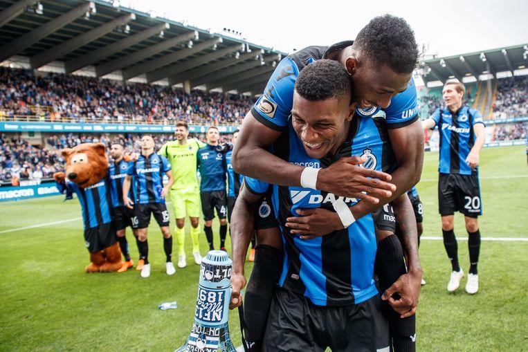 Emmanuel Bonaventure Dennis en Wesley Moraes vieren de winst tegen Anderlecht afgelopen zondag.  Beeld BELGA