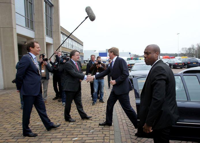 Het bezoek van prins Willem-Alexander levert de nodige media-aandacht op. foto Rene Manders