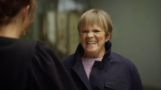 """Margriet Hermans (66) laat in haar portemonnee kijken: """"Ik had voor 100.000 euro aandelen die plots maar de helft waard bleken te zijn"""""""