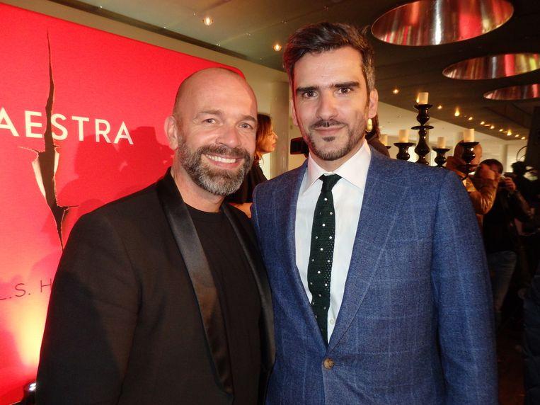 PR-manager Jochem Bouwens (l) en uitgever Tomás Kruijer, beiden van The House of Books en zeer tevreden. Beeld Hans van der Beek