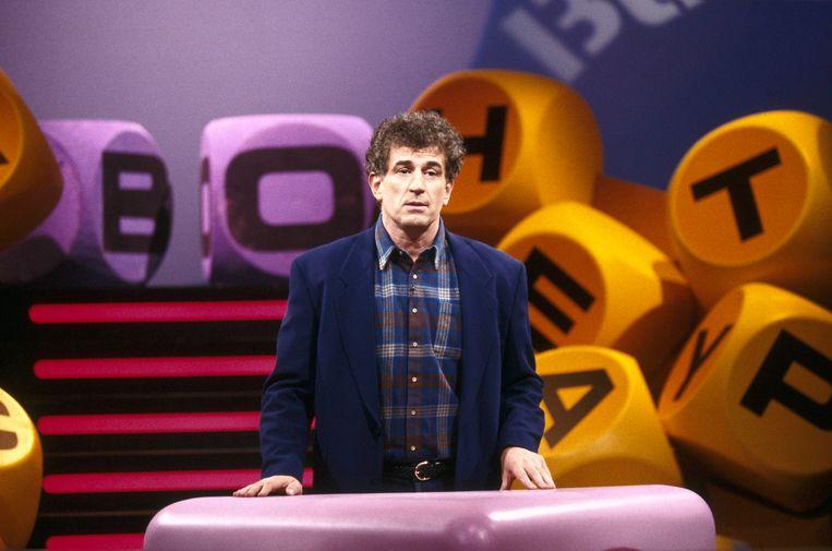 Frank Kramer, hier in 1995 als presentator van Boggle. Later werd de oud-voetballer commentator bij Eurosport. Beeld ANP Kippa