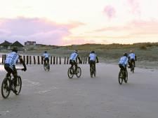 Zeeuwen fietsen van Cadzand naar Ameland ruim 16.000 euro voor KNRM bij elkaar