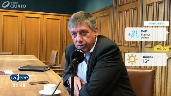 Jan Jambon tijdens het interview met de RTBF-radio.