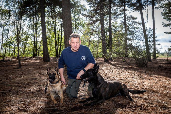 Marco van Hoof uit Best heeft in de loop der tijd een eigen trainingsprogramma voor honden ontwikkeld.