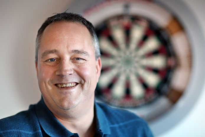 Jacques Nieuwlaat ziet Gerwyn Price als één van de grootste concurrenten van Michael van Gerwen voor het WK.