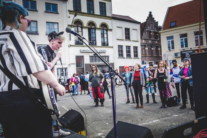 Queer pride in Gent op het Anseeleplein.