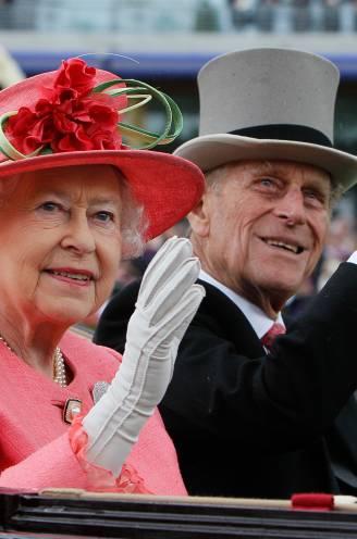"""Queen viert 95ste verjaardag in verdeeld koningshuis: """"Hopelijk moet Harry nooit met hangende pootjes terugkeren"""""""