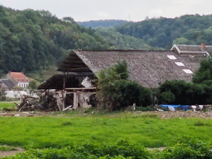 Une bâtisse complètement détruite par les inondations à Goffontaine.