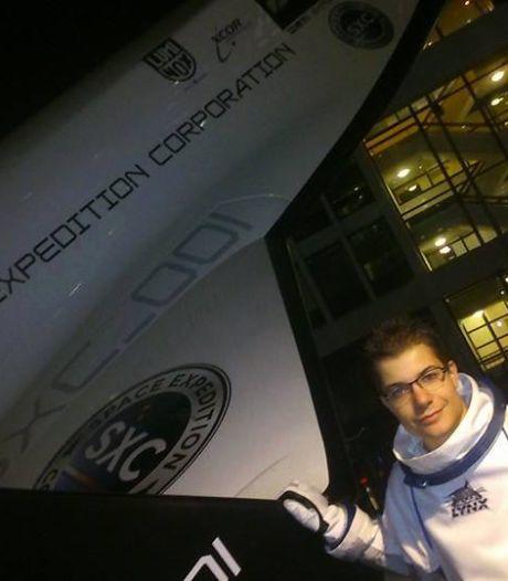 Rowin Hellings uit Helmond kocht ook als 18-jarige een ticket voor een ruimtereis, maar híj ging niet en was wel bijna al zijn geld kwijt