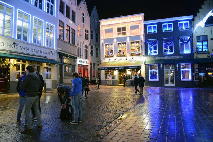 De feiten speelden zich af op de Eiermarkt in Brugge.