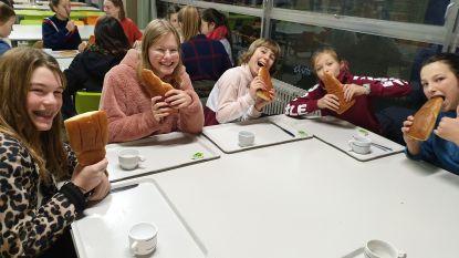 Leerlingen De Keiwijzer ontbijten voor Make a Wish