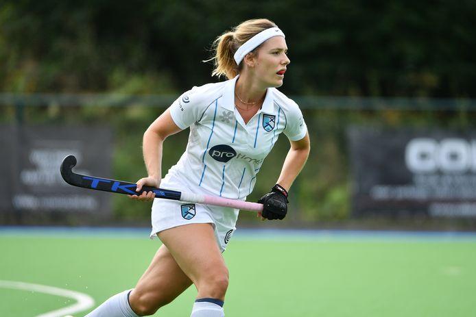 Astrid Vandermeiren speelt de eerst competitiehelft met Braxgata. Daarna trekt ze voor Erasmus naar Lissabon.