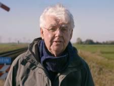 Aangifte tegen Geert Mak wegens spoorlopen: 'Levensgevaarlijk'