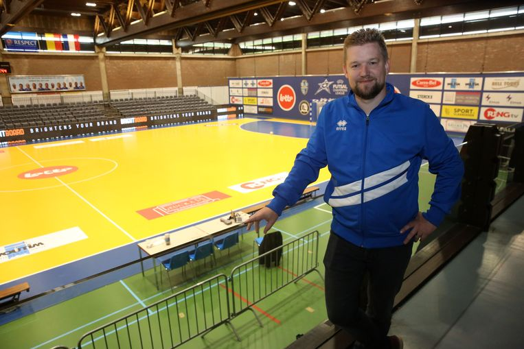 Manager Lieven Baert van FP Halle-Gooik in het tot futsaltempel omgebouwde sportcomplex De Bres.