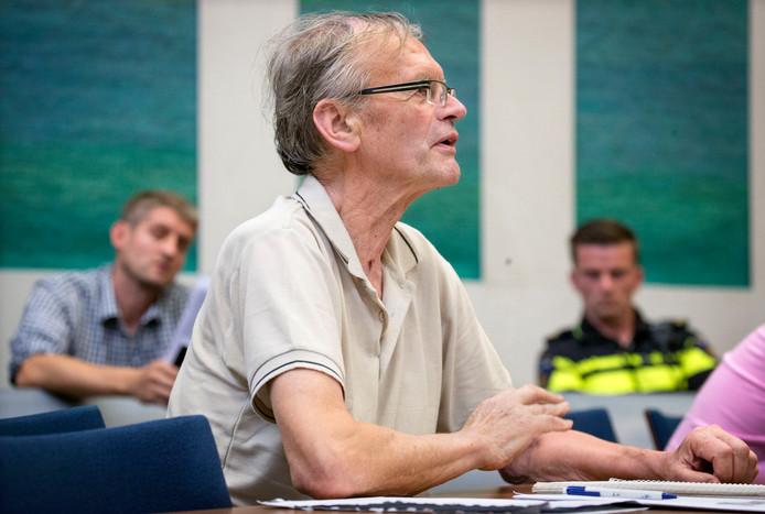 Eigenaar van Fort Oranje Cees Engel (en zoon Jan) in de rechtbank Breda tijdens een eerder kort geding.