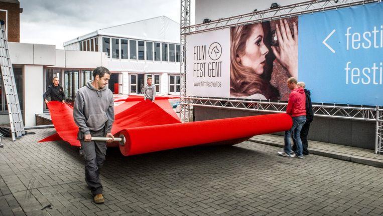 In Gent werd vandaag de rode loper uitgerold voor het festival dat morgen van start gaat. Beeld Stefaan Temmerman
