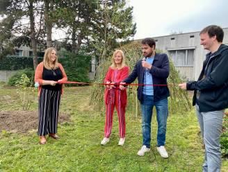 """Kinder- en jeugdpsychiatrie UZ heeft nu prachtige tuintjes: """"Buitenspelen neemt spanning bij kinderen weg"""""""