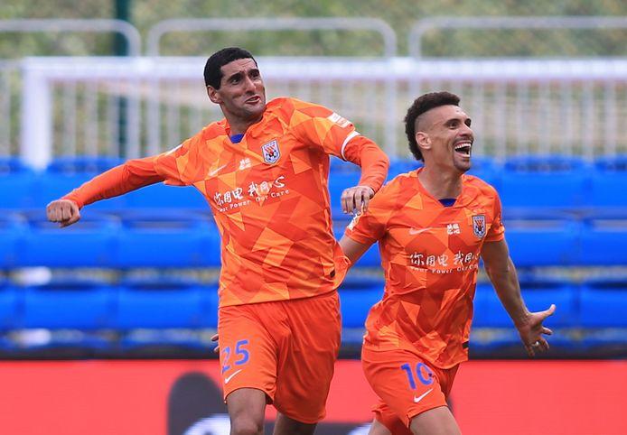 26 juli van dit jaar: Marouane Fellaini van Shandong Luneng viert een doelpunt tegen Dalian Pro.