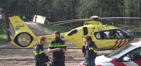 Jochie (9) uit Friesland houdt klaplong, gebroken bovenbeen en scheurtje in de oogkas over aan ongeluk op motorcrossbaan in Nunspeet