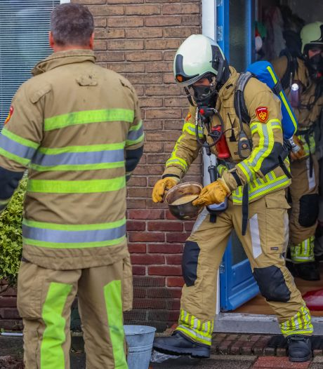 Vergeten pan op gasfornuis zorgt voor woning vol rook in Amersfoort