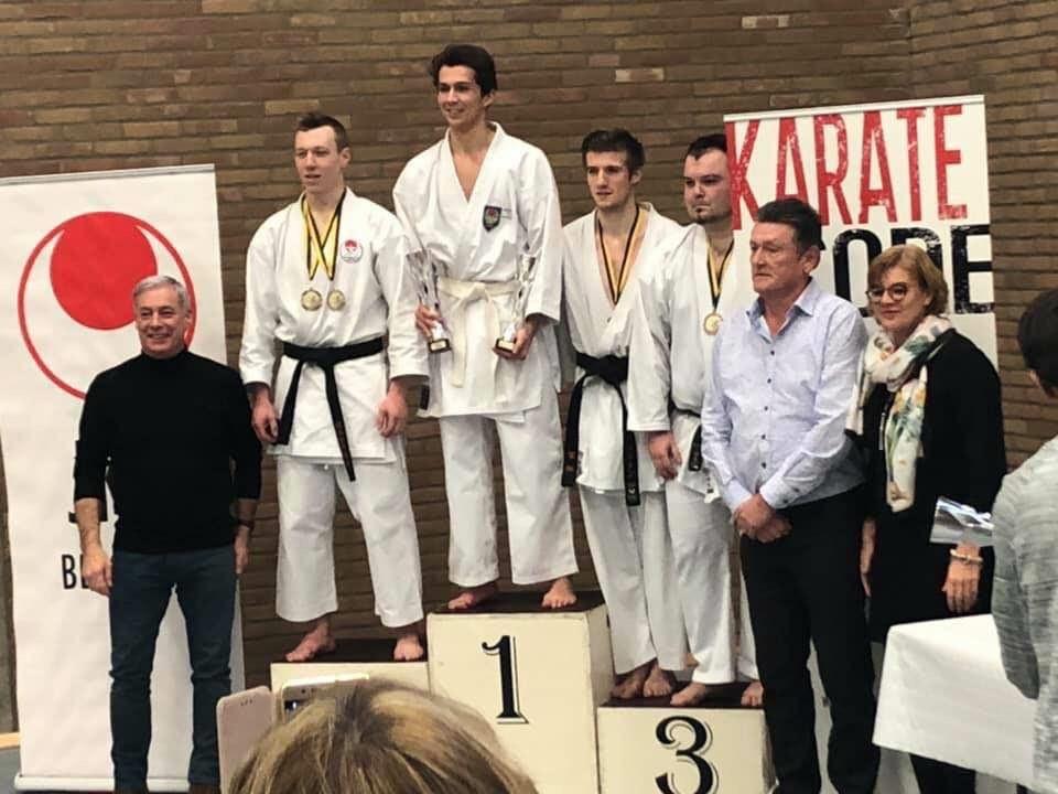 Gianni Schotte is opnieuw Oost-Vlaams kampioen geworden. Het kampioenschap vond plaats in zijn thuisstad Ninove.
