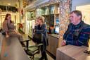 Nynke Schroevers, Corina Scherp en Geert Bonestroo (vlnr) van het zeemanshuis.