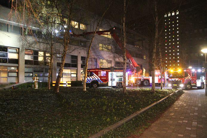 De brand ontstond in een woning van de studentenflat aan het Stamkartplein.