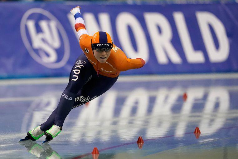 Sanneke De Neeling tijdens haar race op de 1.000 meter in Nagano. Ze werd derde. Beeld AP