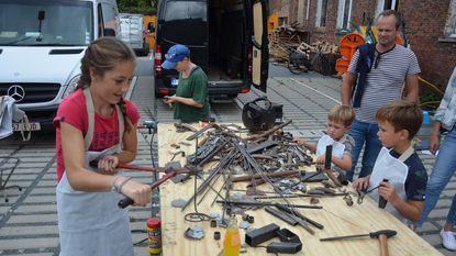 Kinderen creatief met metaal in Vagevuursite