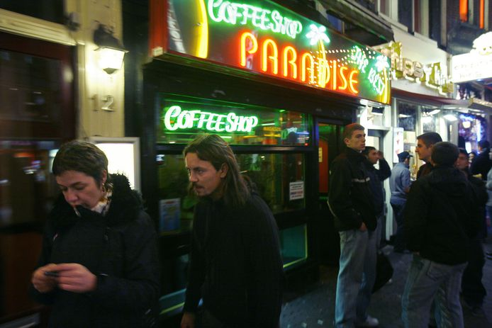 Een coffeeshop in de Damstraat in Amsterdam.