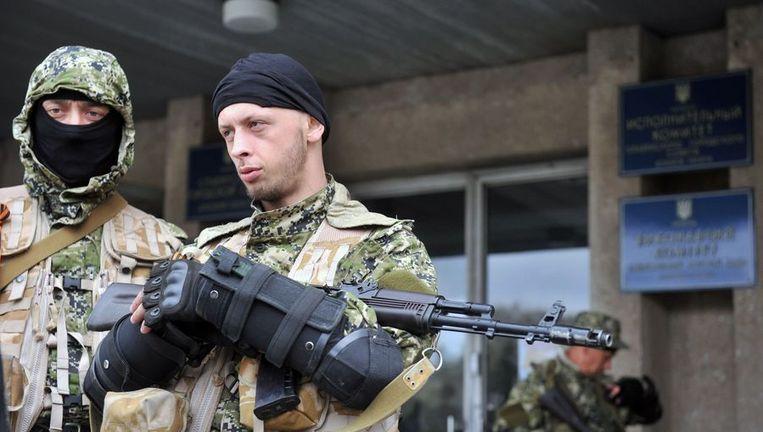 Gewapende mannen vandaag in Slavjansk. Beeld AFP