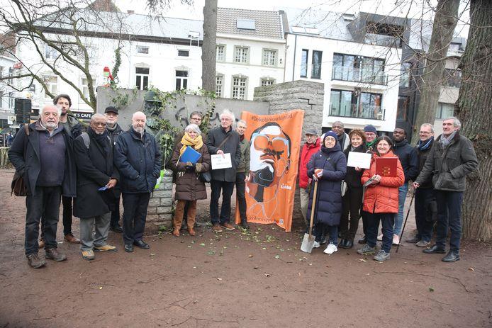 Dekoloniseer Halle herdacht de moord op Patrice Lumumba in het stadspark in Halle