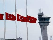 Turkije geeft zestal levenslang voor aanslag op vliegveld