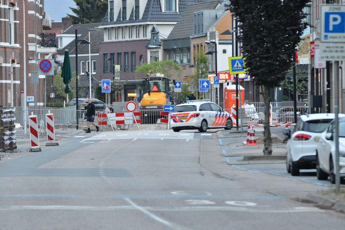 Na de ontdekking van het explosief in de pinautomaat van de ABN AMRO was een deel van de Molenstraat enkele uren afgesloten.