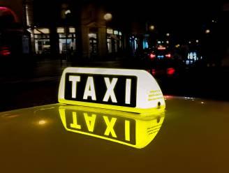 Linter stelt taxidiensten vrij van retributie en belasting