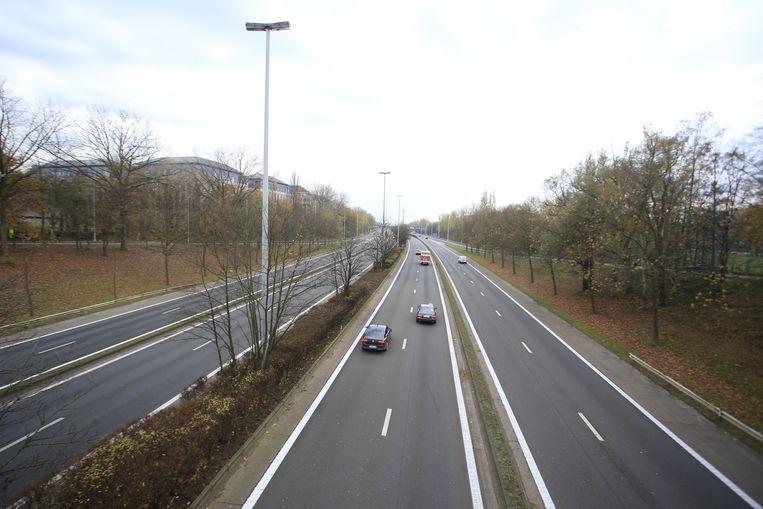 De gewestministers van Mobiliteit keren zich tegen het idee van minister Bellot om de snelheid op de snelwegen op bepaalde plekken op te trekken naar 130 per uur.  Beeld Belga