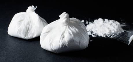Man (29) die cocaïne inslikte toen hij op heterdaad werd betrapt riskeert 2 jaar cel en boete van 16.000 euro