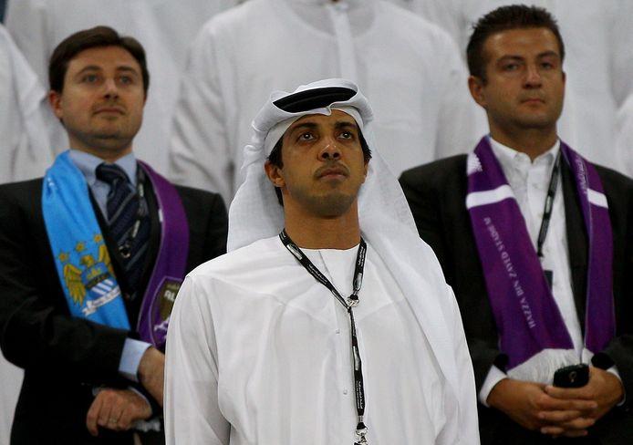 Sheikh Mansour (midden).