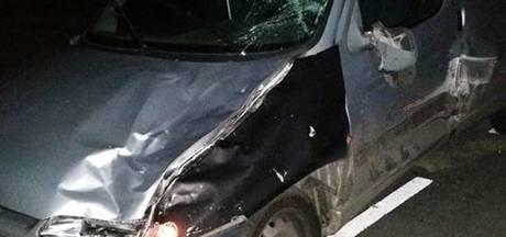 Beschonken tractorchauffeur ramt bestelbus in Oene en rijdt weg