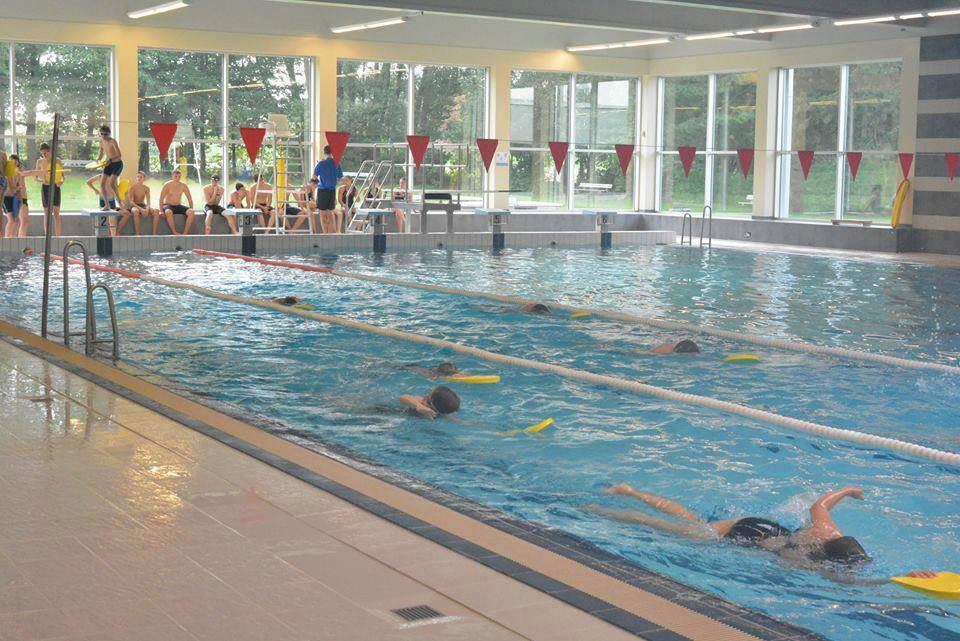 Zwembad De Bevegemse Vijvers in Zottegem.