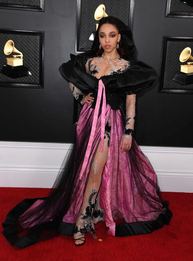 FKA Twigs komt aan bij de Grammy Awards op 26 januari van dit jaar in Los Angeles.  Beeld AFP