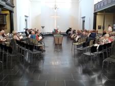 De kerk voelt weer als een thuis bij Regenboogviering in Den Bosch