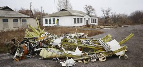 Op twee plekken wrakstukken MH17 weggehaald